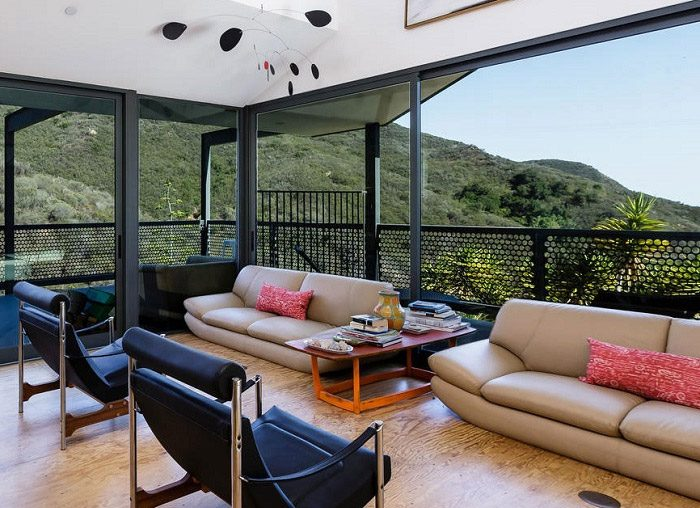 Las Flores Residence